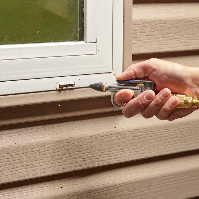 clean weep holes in windows