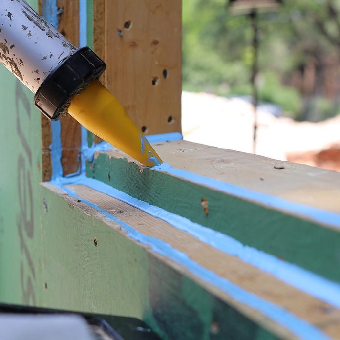 Sealing gaps with a joint filler compound | Construction Pro Tips