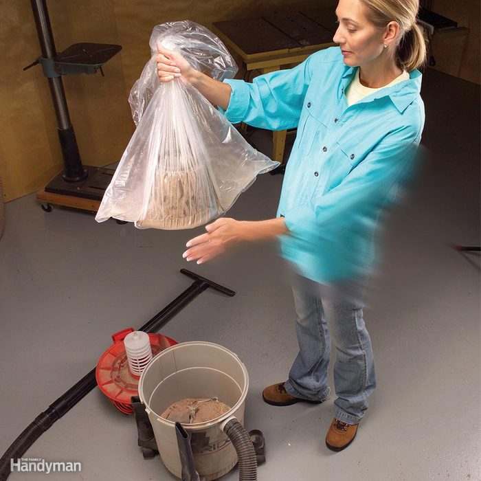 In-the-Bag Shop Vacuum Filter Cleaning