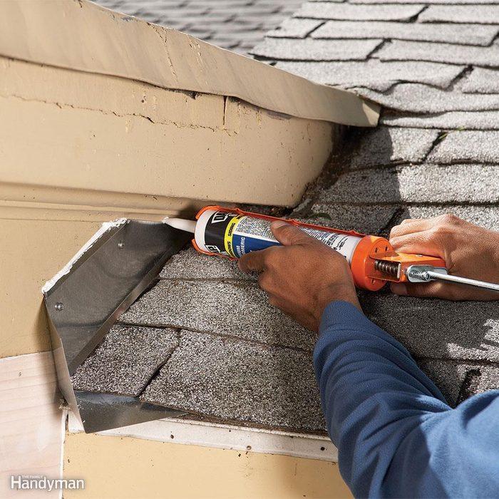 Fixing roof flashing
