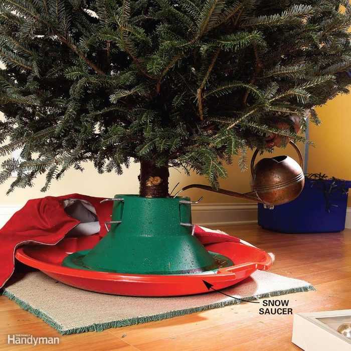 No-Spill Christmas Tree