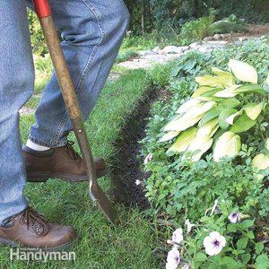 Natural Mulch Landscape Edging