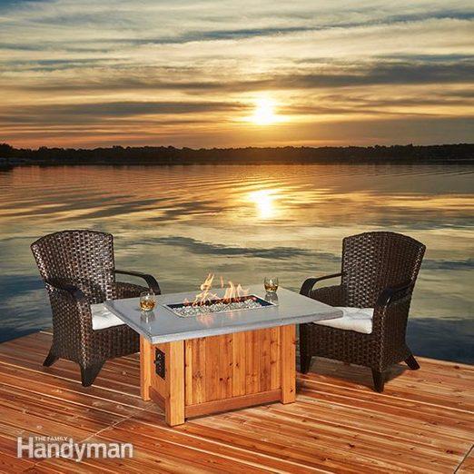 FH17APR_577_00_071_hsp-2 building a table