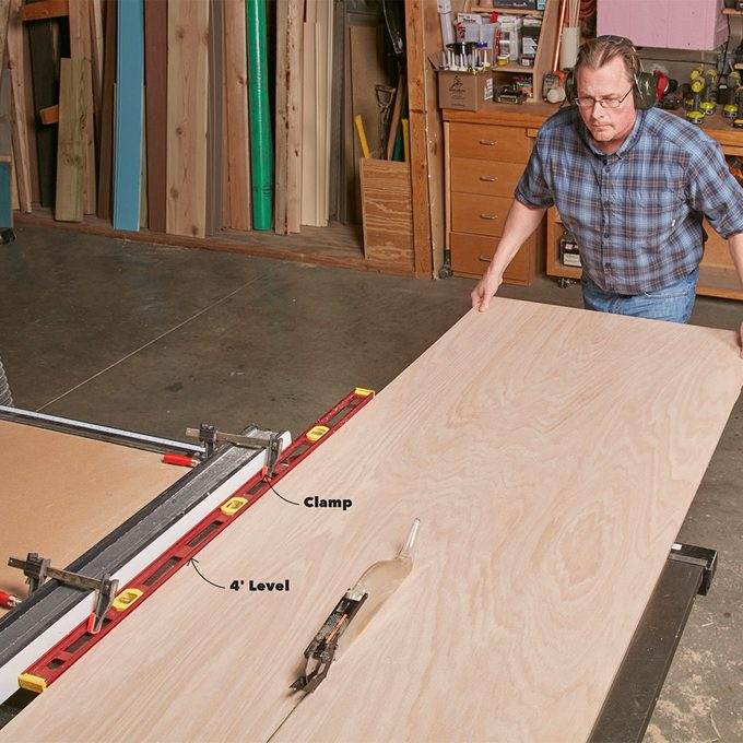 Use a level to Extend your table saw fence