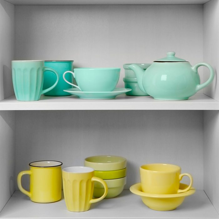 Small Room Ideas: Color-Coordinate Shelves