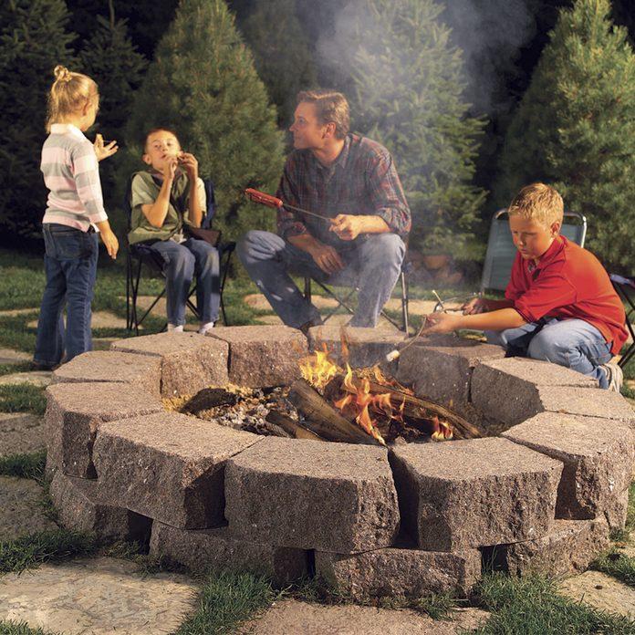 DIY fire pit fire ring backyard ideas