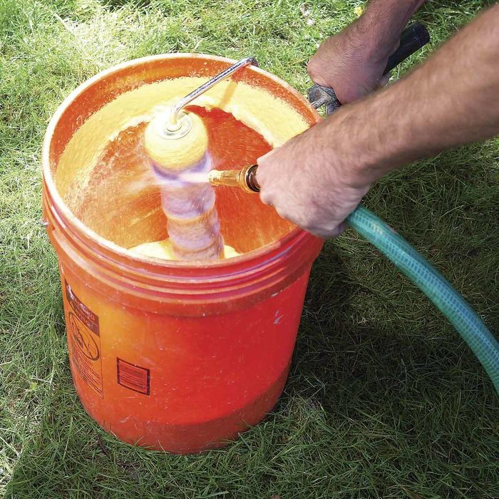 Spray-Clean Roller