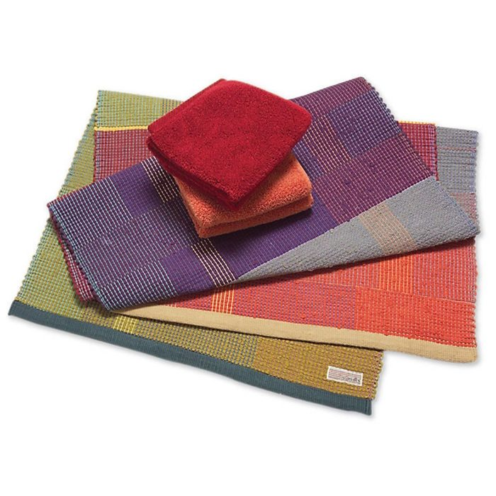 For Rugs, Go with Traditional Weave