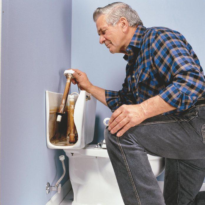 FH02SEP_02732_003@141% fix a running toilet