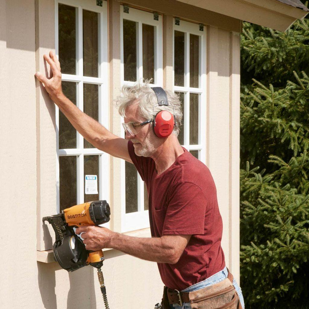 FH17JAU_580_50_191 pub shed trim the windows