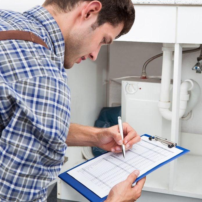 shutterstock_159889154 home inspector inspection real-estate