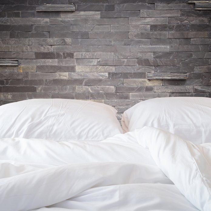 shutterstock_321657467 guest bedroom
