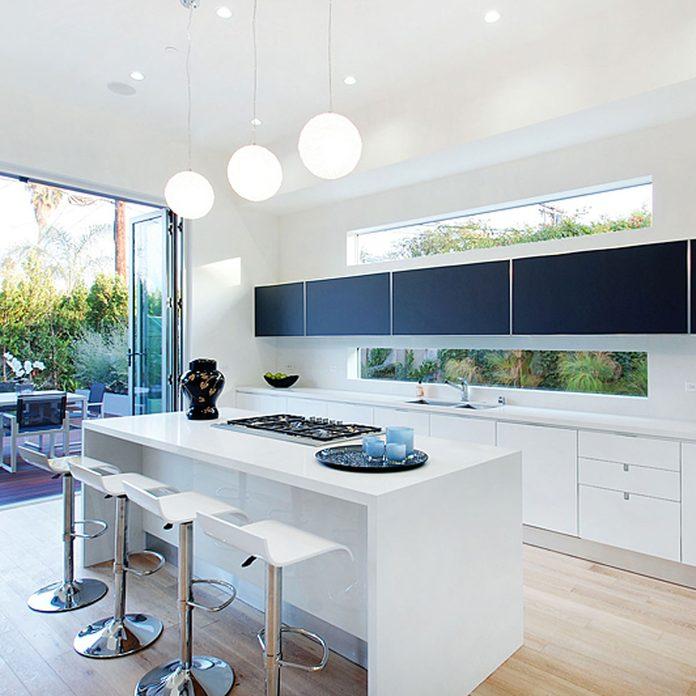 17oct107_03 window backsplash in ultra modern kitchen