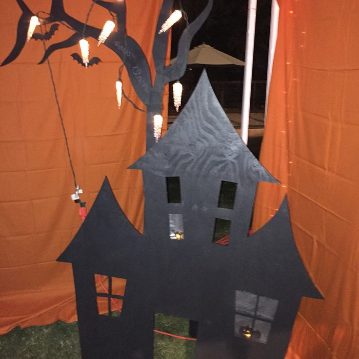 Lighted Haunted House Portable Decoration