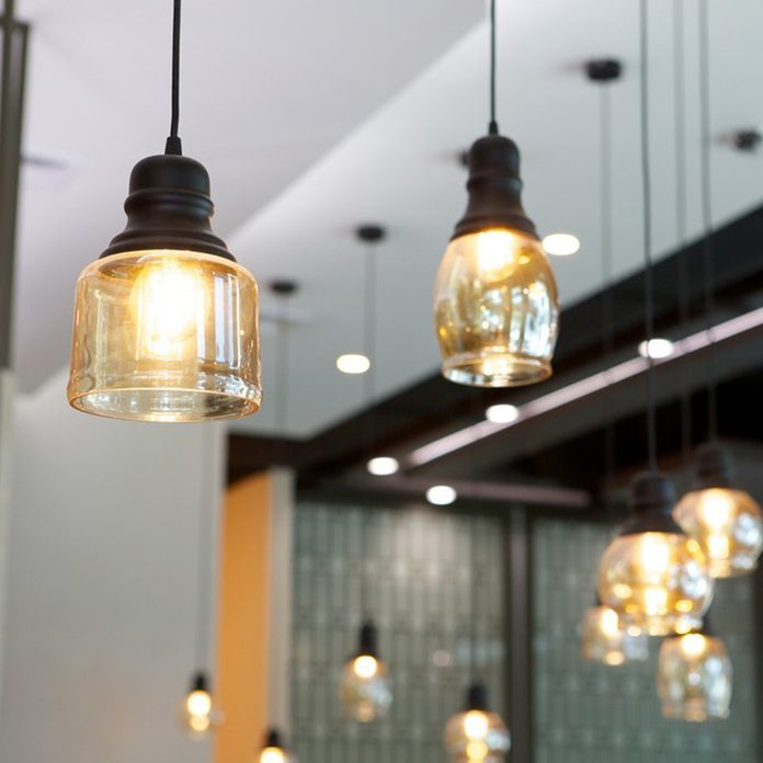 dfh17jul034_540958840_08 modern industrial hanging light fixtures