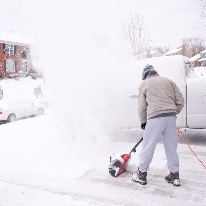 shutterstock_68131957 electric snow blower