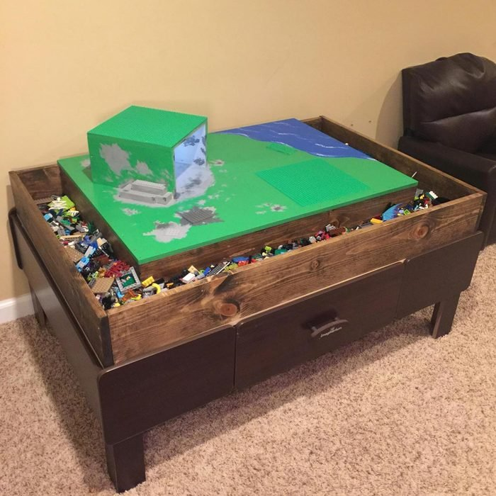 Magnificent LEGO table