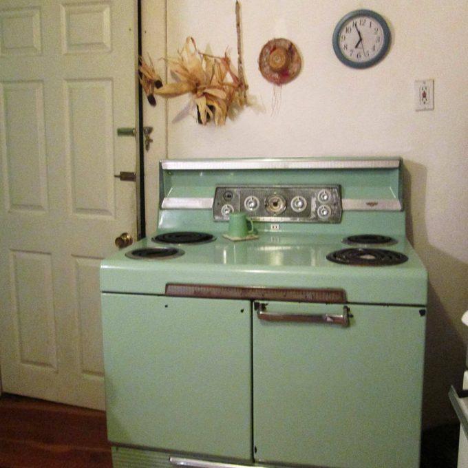 18_02_CherTom2_REXMay17 green stove oven vintage