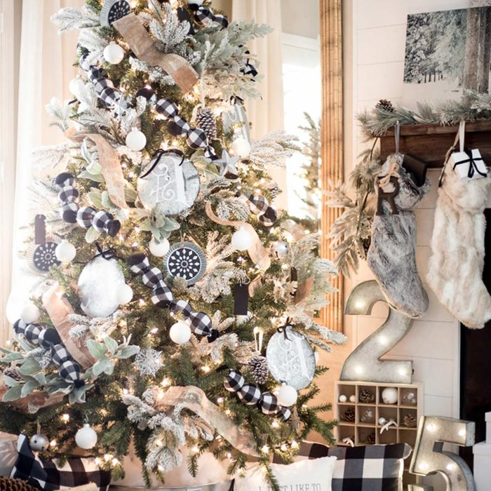 Christmas Tree Design Ideas: Frosty Christmas