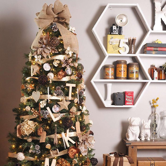 Christmas Tree Decorating Ideas: Christmas at the Cabin