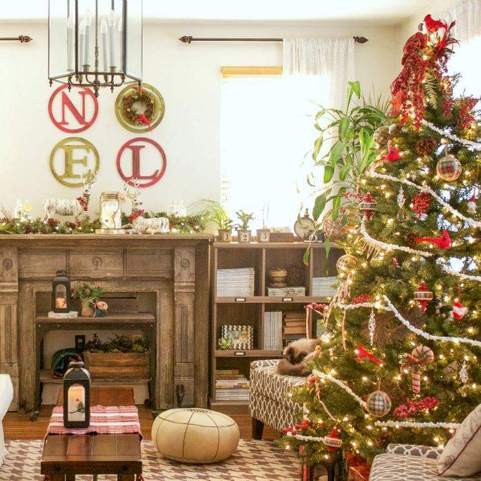 Christmas Tree Decorating Ideas: Cardinal Christmas