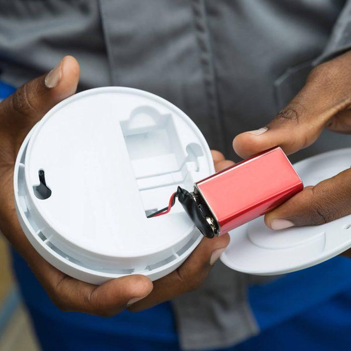 check smoke detectors batteries _464541134