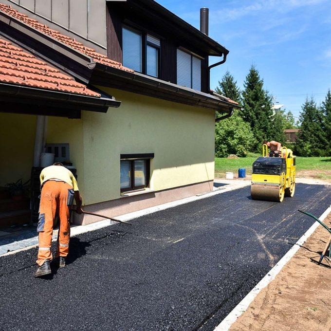 driveway repaving _403913614