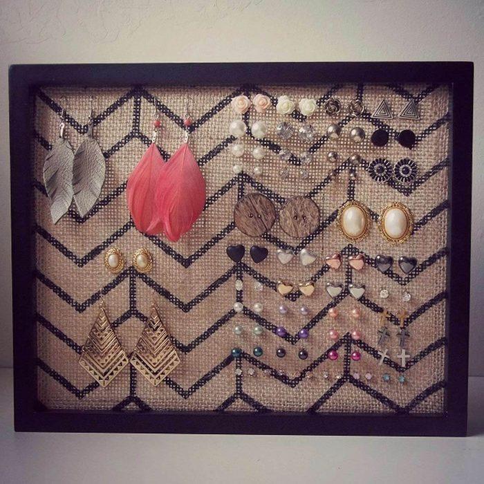 Organize earrings