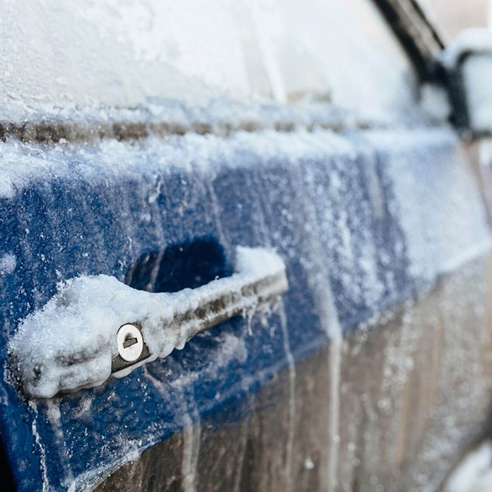 warming up car in winter