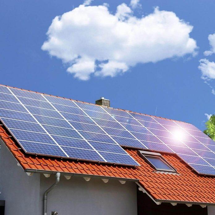 shutterstock_642495526 solar panels