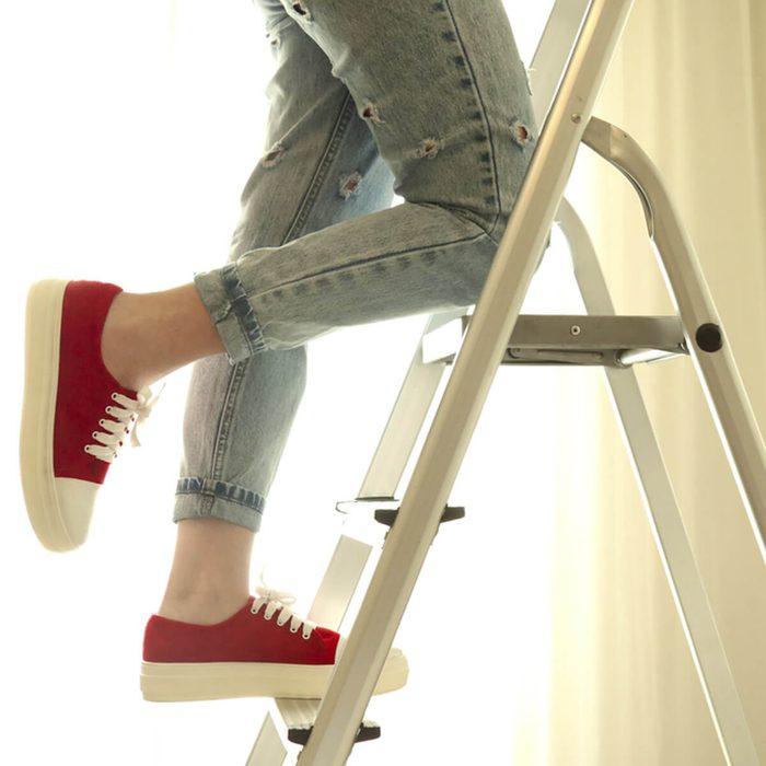stool_564063181 step ladder