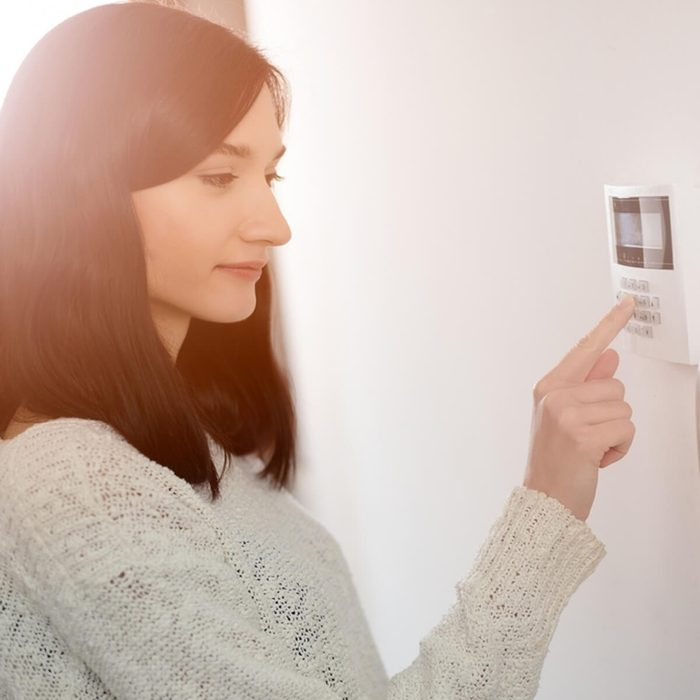 Understand a Wireless vs. Hardwired Home Security System