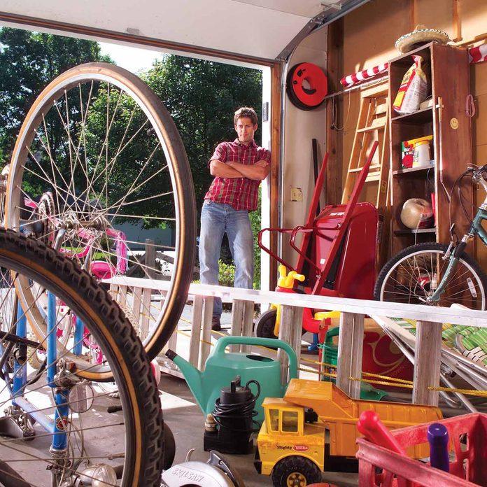 FH04SEP_0FH04SEPT_03401_008 messy garage organization