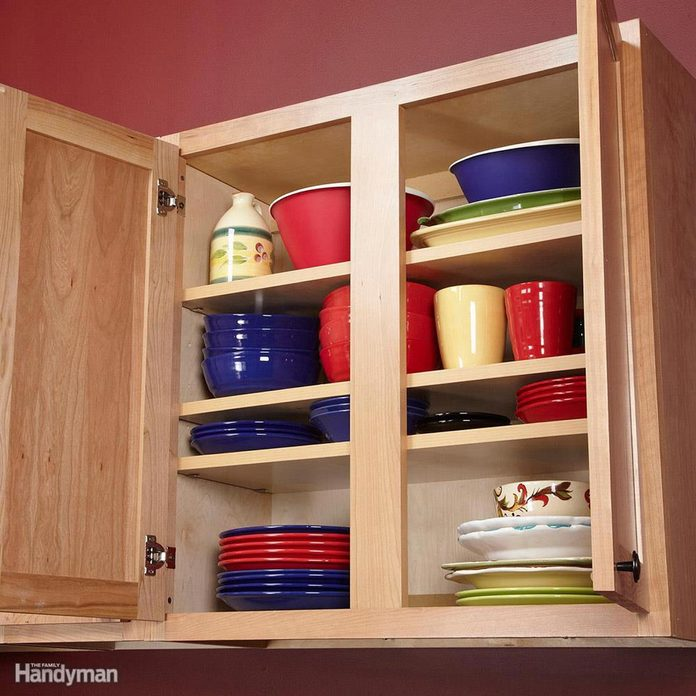 FH12OCT_ORGANI_24 add an extra shelf to a kitchen cabinet