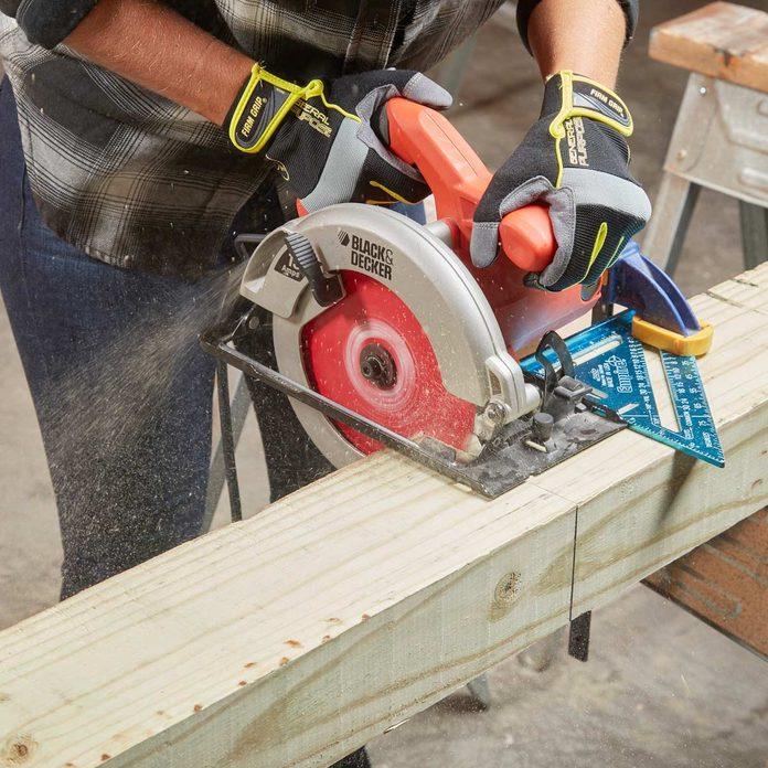 FH17JAU_580_54_106 circular saw timber