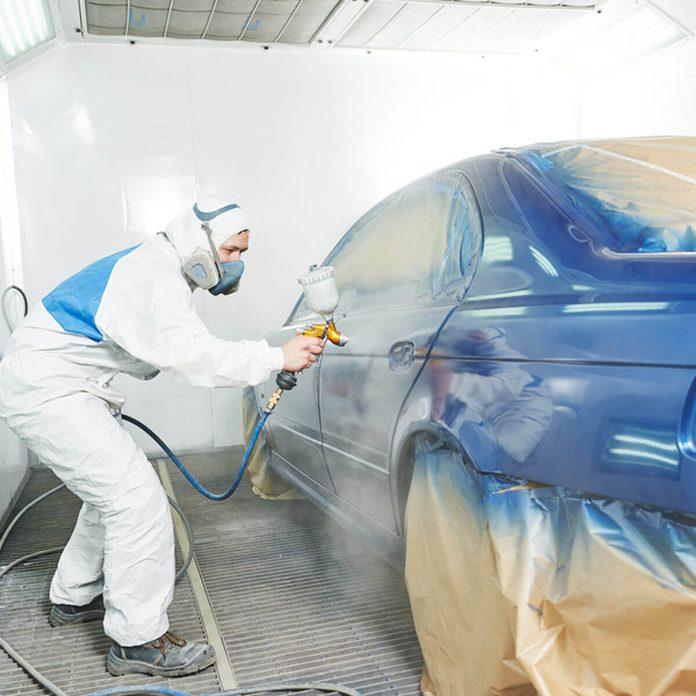 dfh3_shutterstock_350662691 paint sprayer car