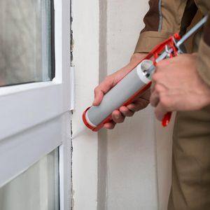 shutterstock_299703527 outdoor caulking window door