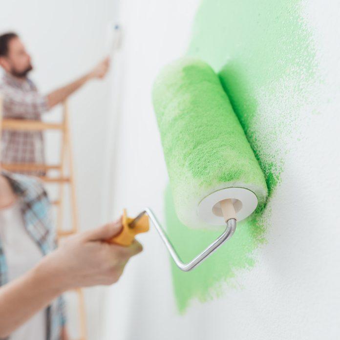 shutterstock_551801428 paint the wall