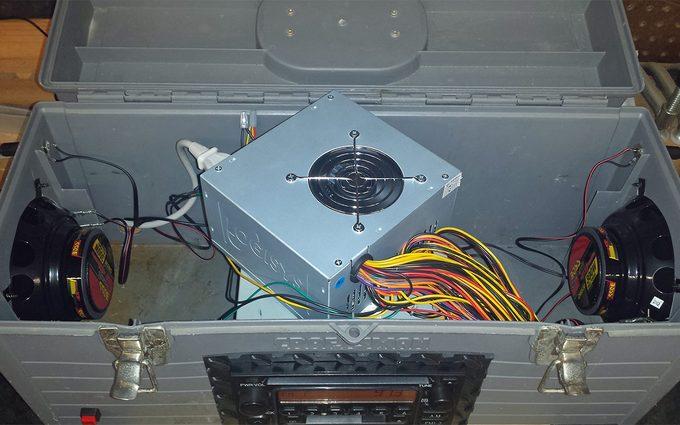 toolbox radio inside wires