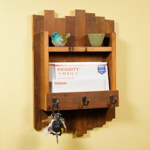Saturday Morning Workshop: How To Build A Key Hanger With Reclaimed Wood