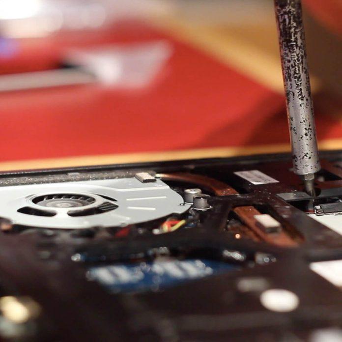 repair laptop computer