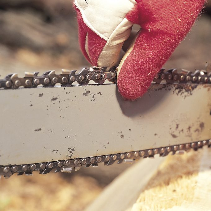 chain saw tension test