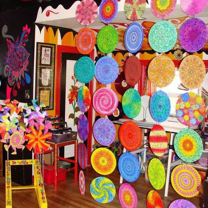 colorful-hanging-room-divider