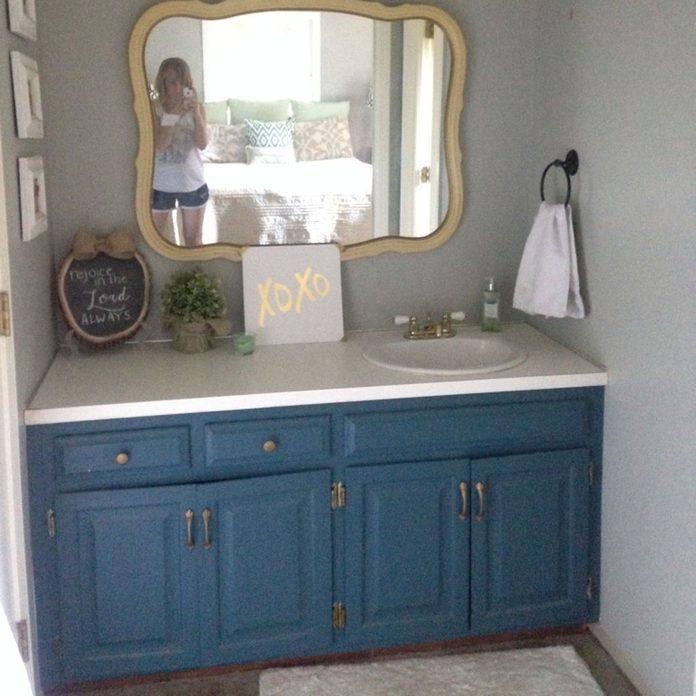 bathroom-vanity-blue-makeover