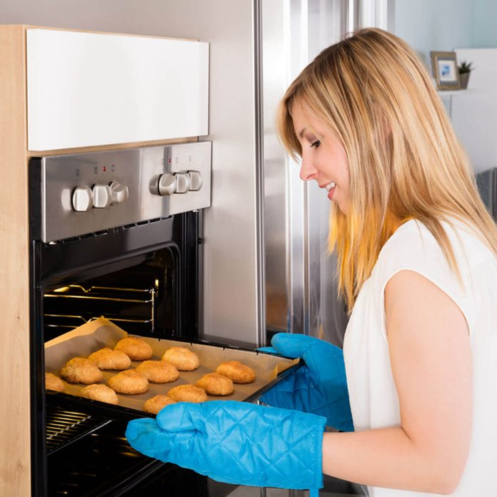 baking cookies oven mitts