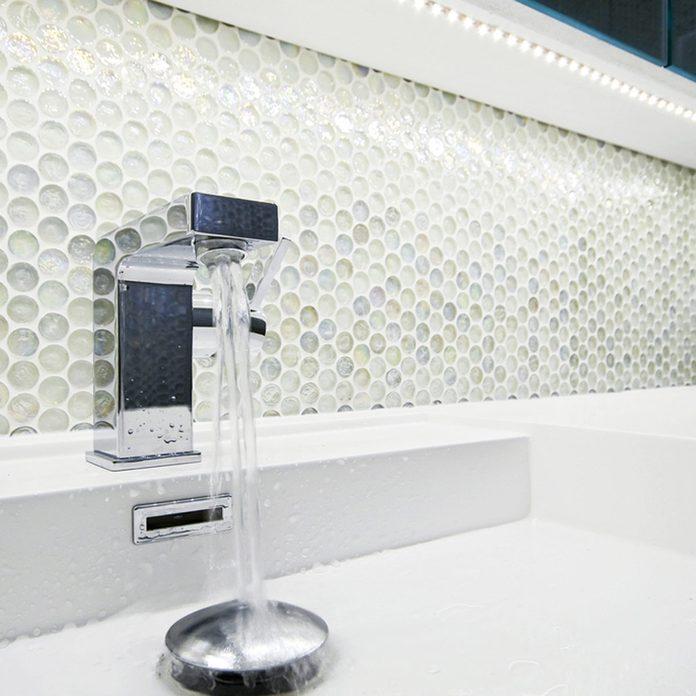 shutterstock_76374364 round glass tile backsplash