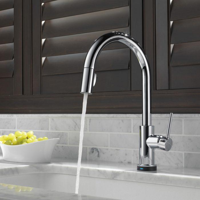 single-handle-faucet plumbing fixtures