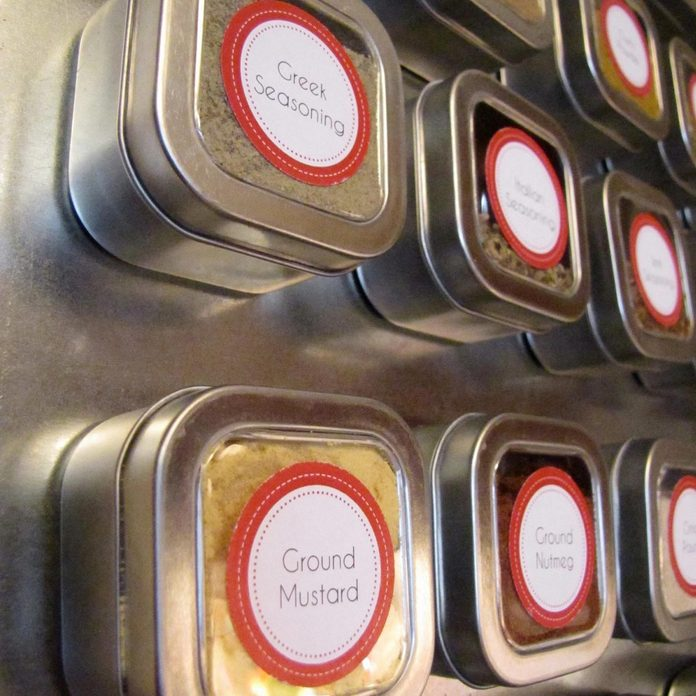 spice-rack-magnetic