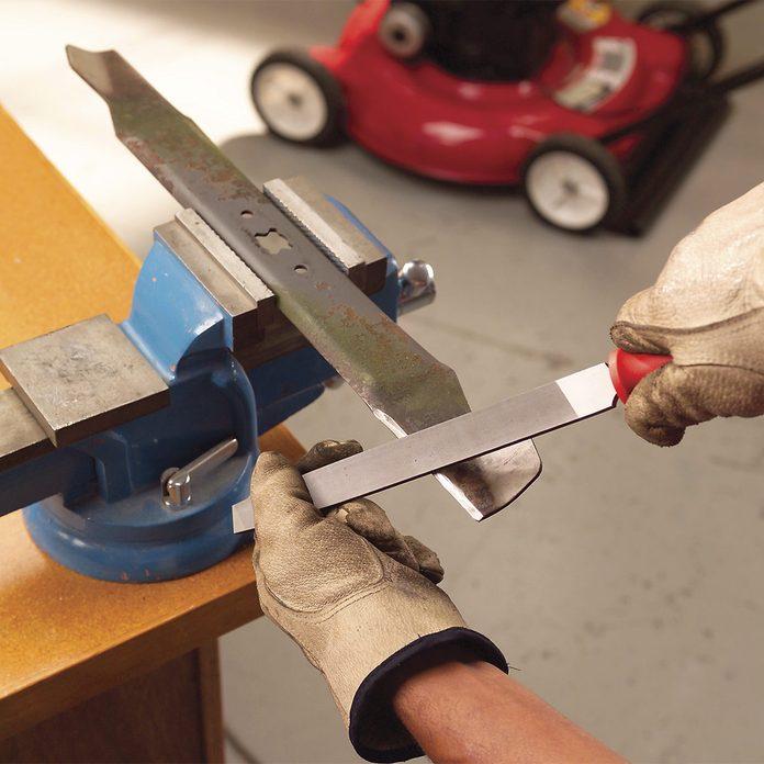 sharpening lawn mower blade