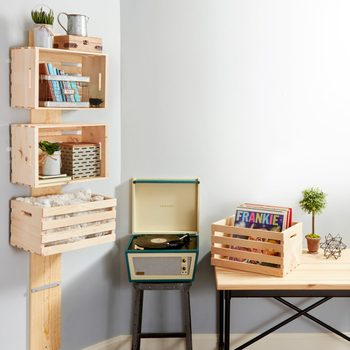 easy wooden crate shelf project